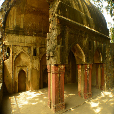 Agrasen Ki Baoli Sight Seeing Tour
