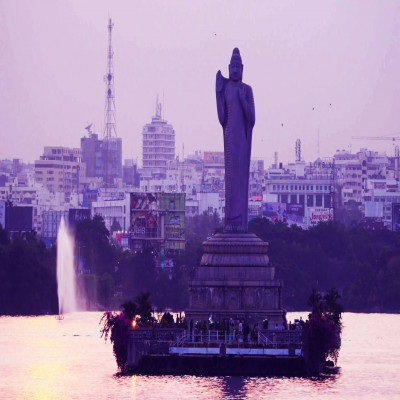 Hussain Sagar Lake Place to visit