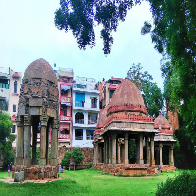 Hauz khas village Sight Seeing Tour