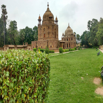 Khusro Bagh Package Tour