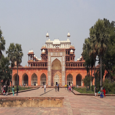 Akbar's Tomb Places to See