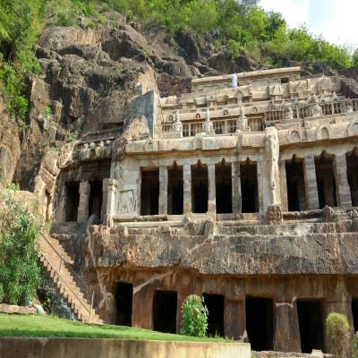 Undavalli Caves Place to visit