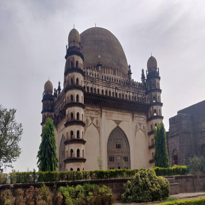 Gol Gumbaz Travel