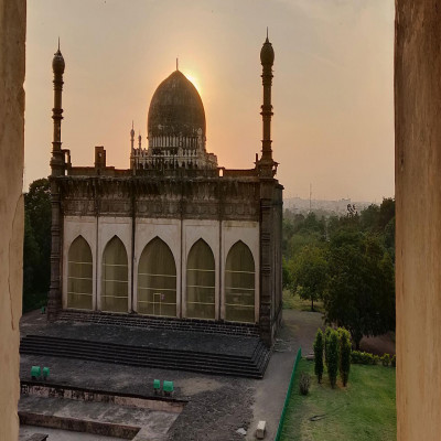 Gol Gumbaz Sight Seeing Tour