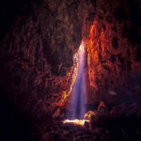 Krem_Liat_Prah_Cave_Attractions