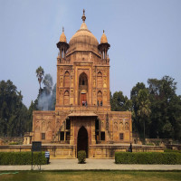 Khusro_Bagh_Attractions
