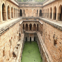 Agrasen Ki Baoli Place to visit