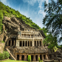 Undavalli Caves Sightseeing