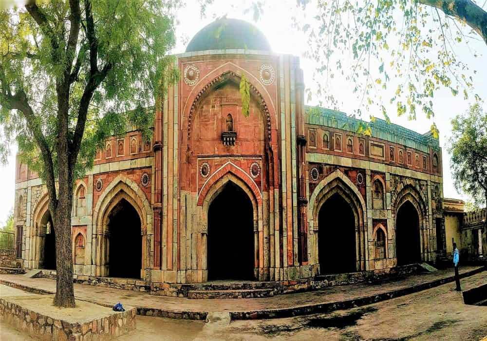 Jamali_Kamali_Mosque_And_Tomb_Delhi_Master_Image_Blog
