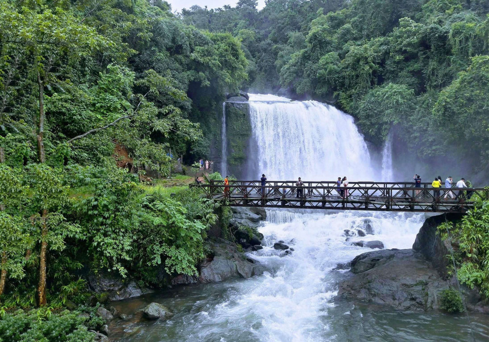 Cherrapunji Honeymoon Destination in Meghalaya