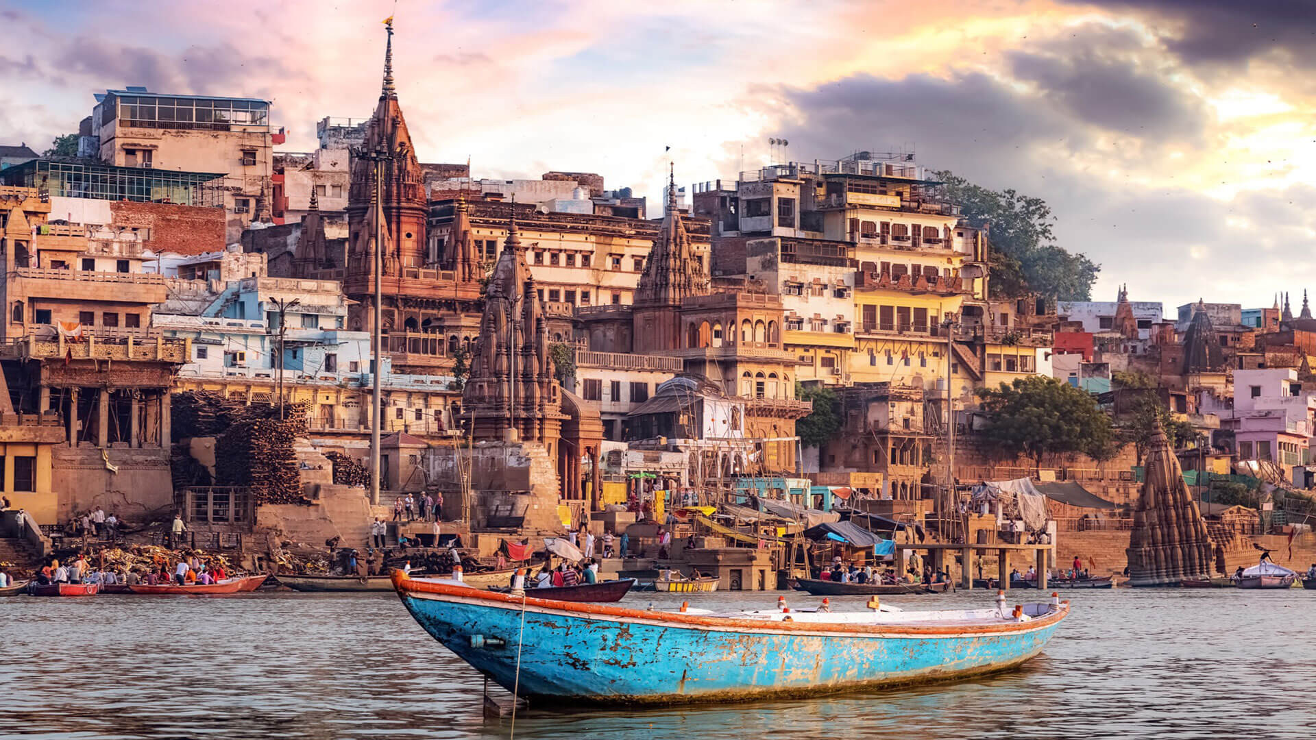 Interesting Tourism Places Worth Visiting in India