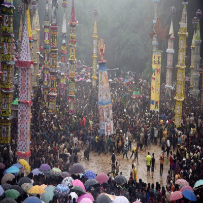Behdienkhlam Festival Sightseeing