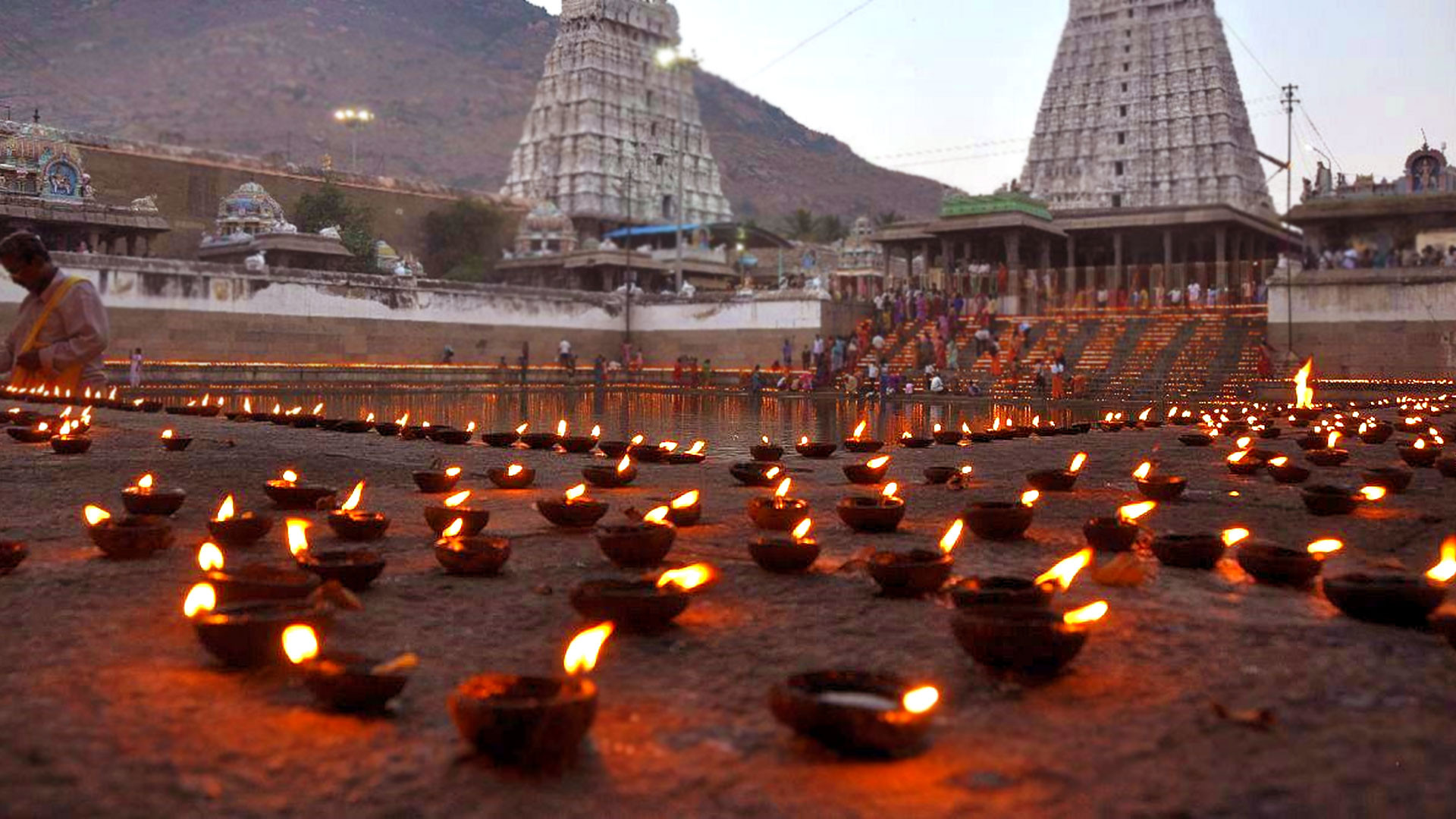 Karthigai_Deepam _Attractions